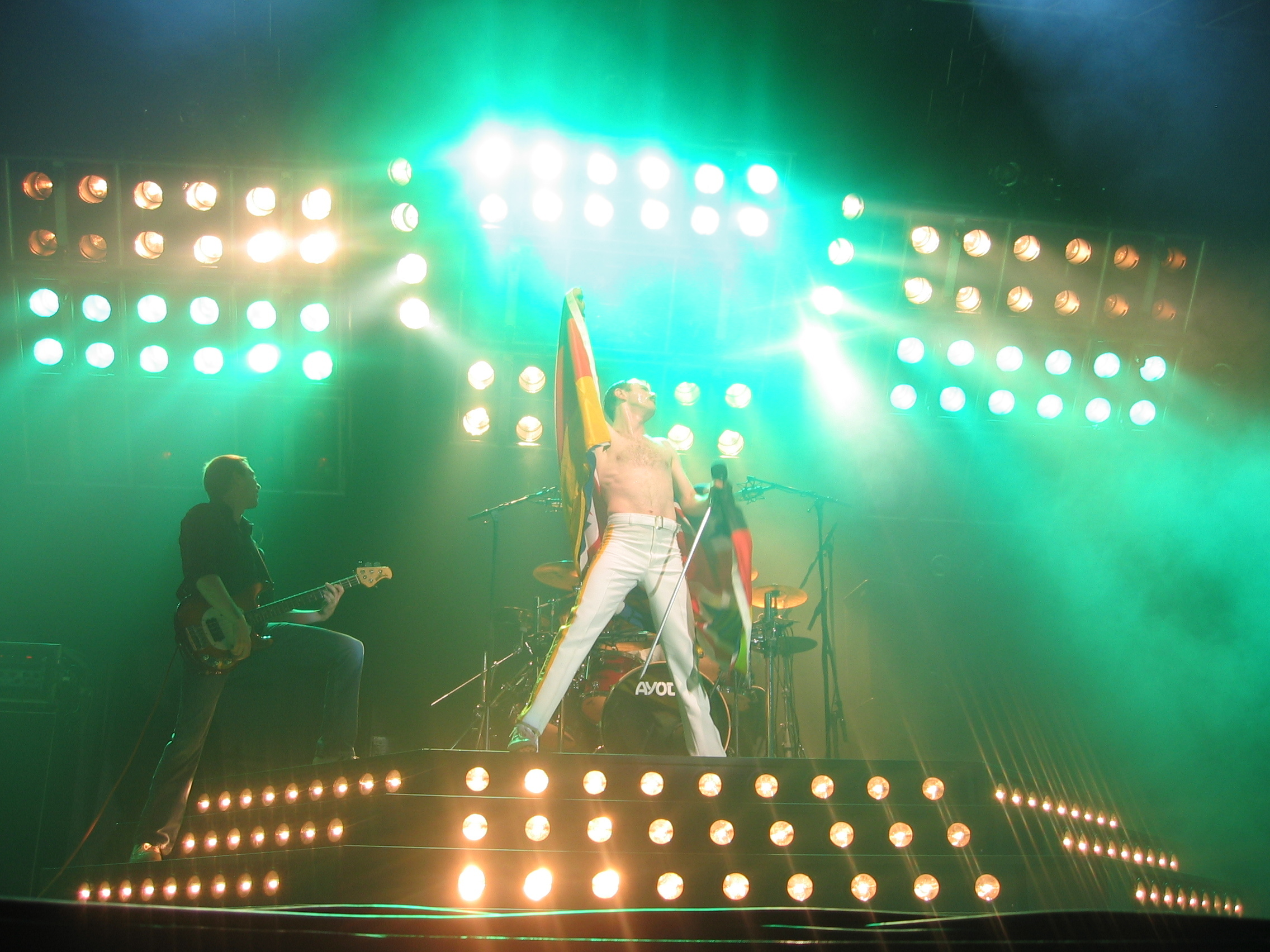 Gary Mullen puts on a convincing performance as Queen's famous lead singer, Freddie Mercury. (credit: Courtesy of Veronica Corpuz)