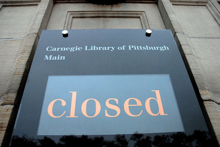 Local Pittsburgh libraries and booksellers close their doors. (credit: Ari Rubinstein/Photo Staff)
