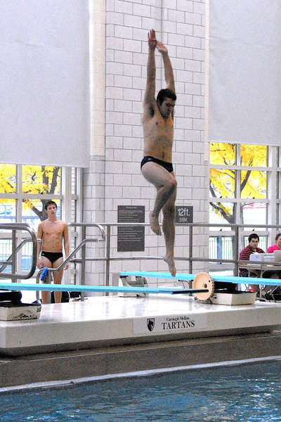 A Tartan diver sets up during his turn.
