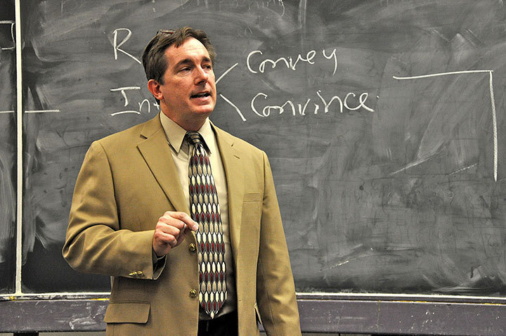 Frank Marsh, a former Marine Corps intelligence officer, gave a lecture on lie detection last Thursday. Marsh discussed topics such as handwriting analysis and cues given by people when they lie. (credit: J.W. Ramp/ Publisher)