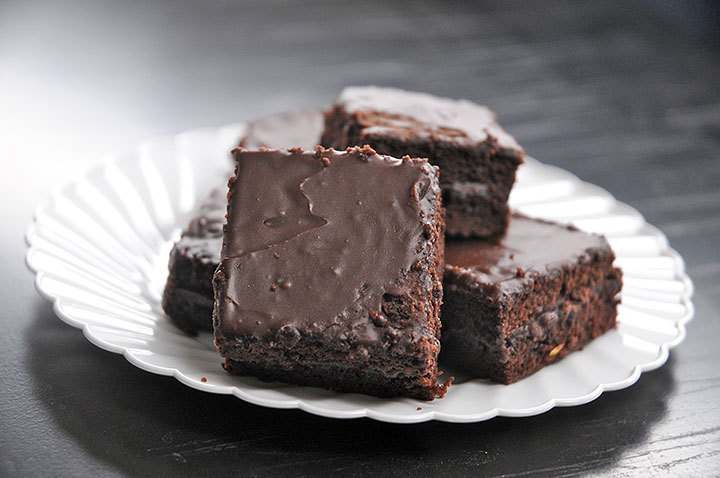 Dark chocolate java pudding brownies are the perfect snack for a group meeting or study session. (credit: Celia Ludwinski | Assistant Photo Editor)
