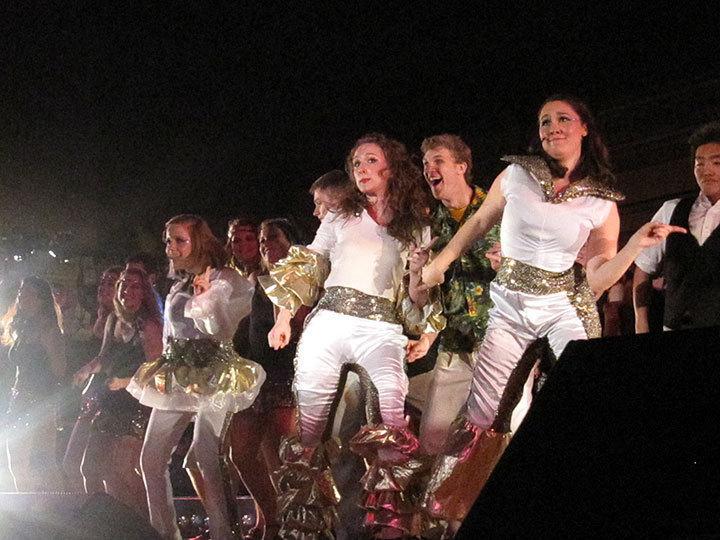 Doubles winners Kappa Alpha Theta and Pi Kappa Alpha performing *Mamma Mia!*. (credit: Jesse Kummer)