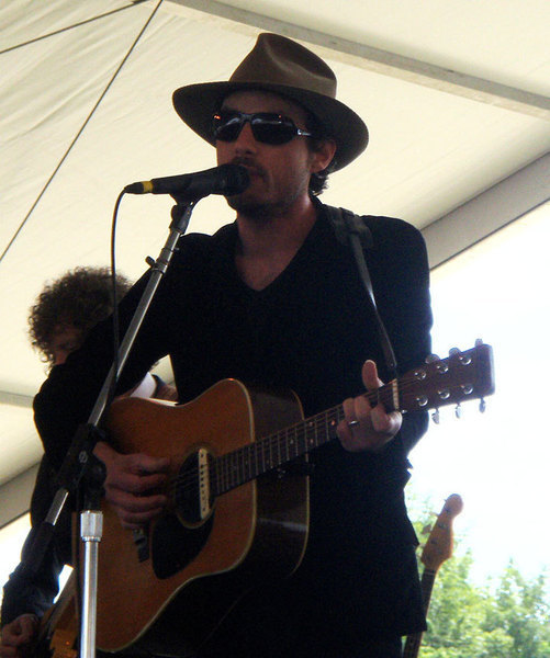 Jakob Dylan playing the Newport Folk Festival in August 2008.  (credit: Courtesy of Wikimedia Commons)