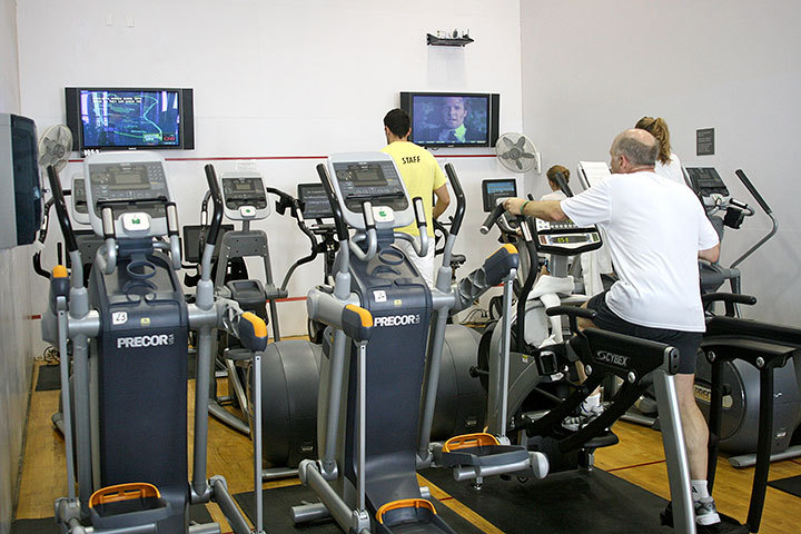 The university offers many facilities where students and staff can work out and relax, ranging from rooms with treadmills and weights to raquetball courts. (credit: Celia Ludwinski | Photo Editor)