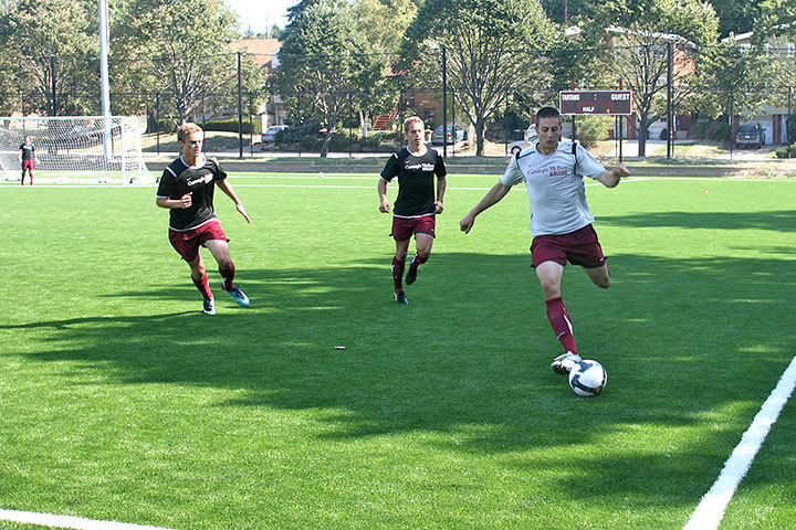 Although the men's roster saw a of loss of 11 seniors last year, there is more than enough new talent to continue the Tartan soccer legacy for the upcoming season. (credit: Celia Ludwinski/Photo Editor)
