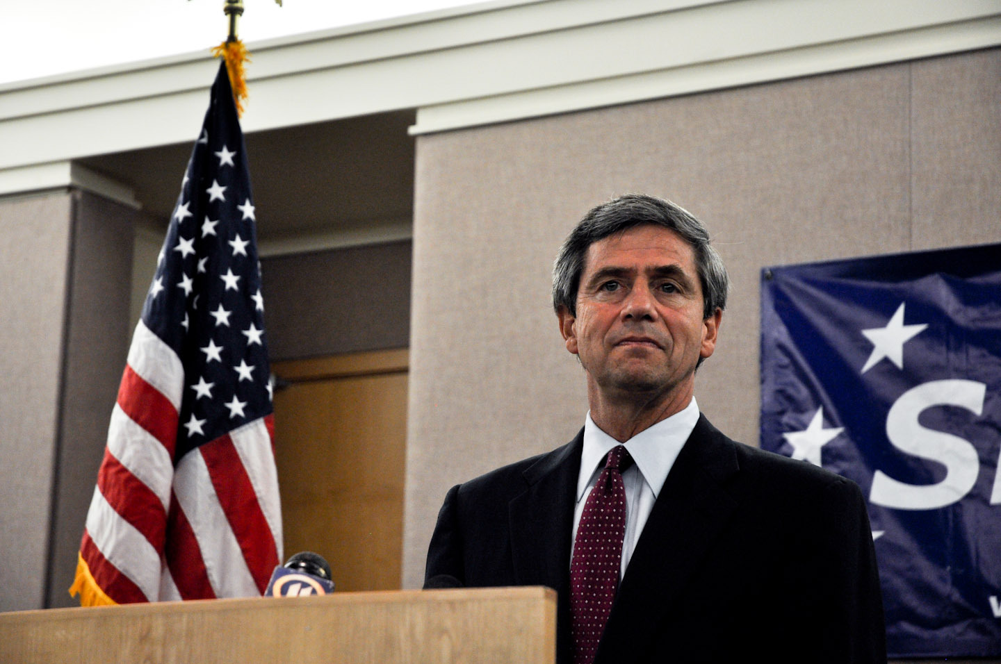 Sestak stands at the podium during his speech. (credit: Patrick Gage Kelley/Contributing Editor)