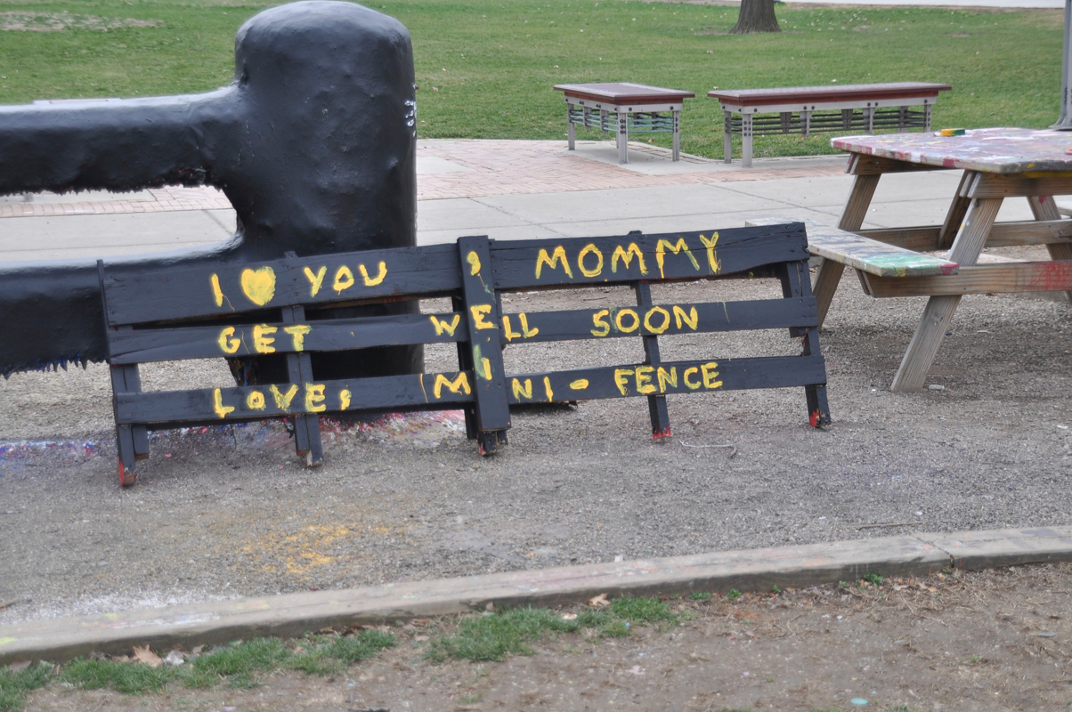 """Members of KGB constructed a miniature Fence, which displays the message """"I love you, Mommy. Get well soon. Love, Mini-Fence.""""  (credit: Alan Vangpat/Photo Staff)"""