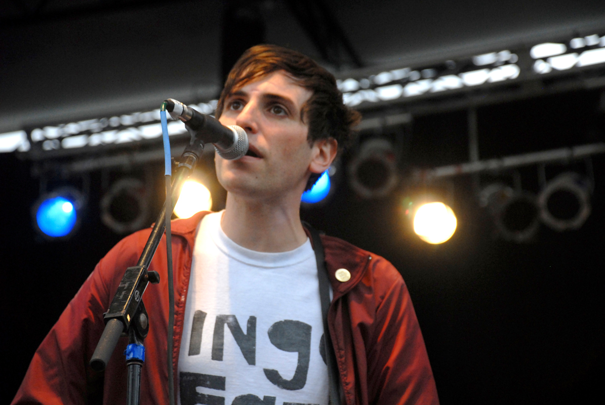 The Pains of Being Pure at Heart performs at Pitchfork 2009. (credit: Courtesy of dirty black chucks via flickr)