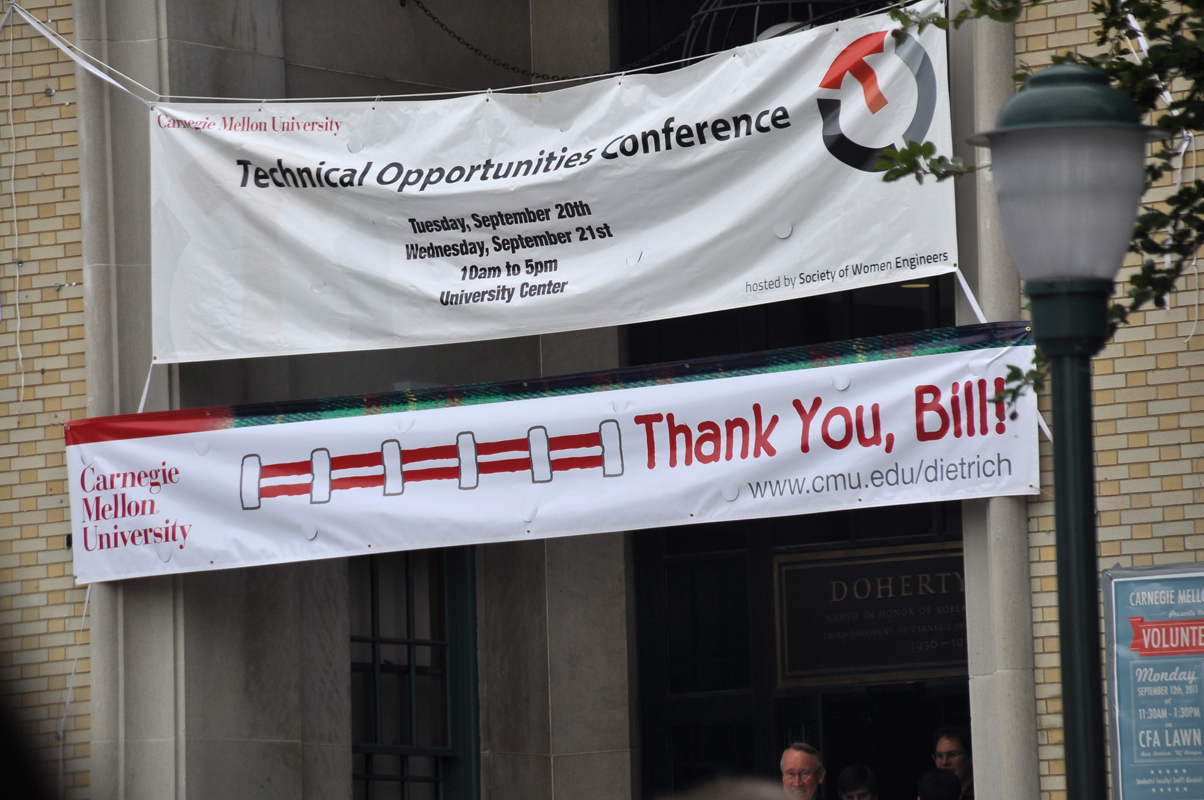 "Campus was full of signs saying, ""Thank you, Bill!"" on Wednesday. (credit: Alan Vangpat/Layout Staff)"