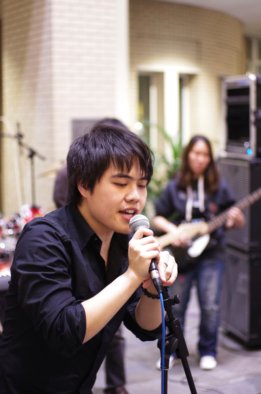 Free Bullet's lead singer Pei Pang entertained attendees of last Friday's Chinese Culture Late Night event. (credit: Sky Gao/)