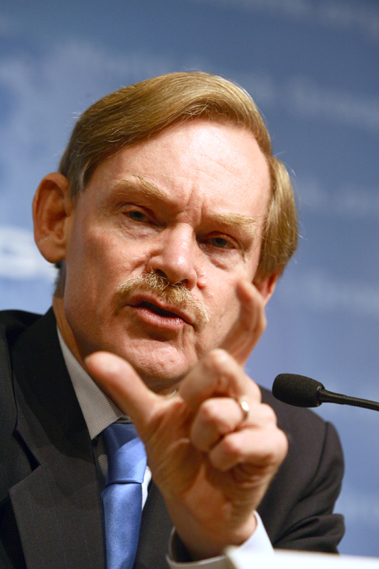 Robert Zoellick, the current president of the World Bank, answered questions on topics ranging from the Iraq War to environmentalism.  (credit: Courtesy of Simone D. McCourtie / World Bank )