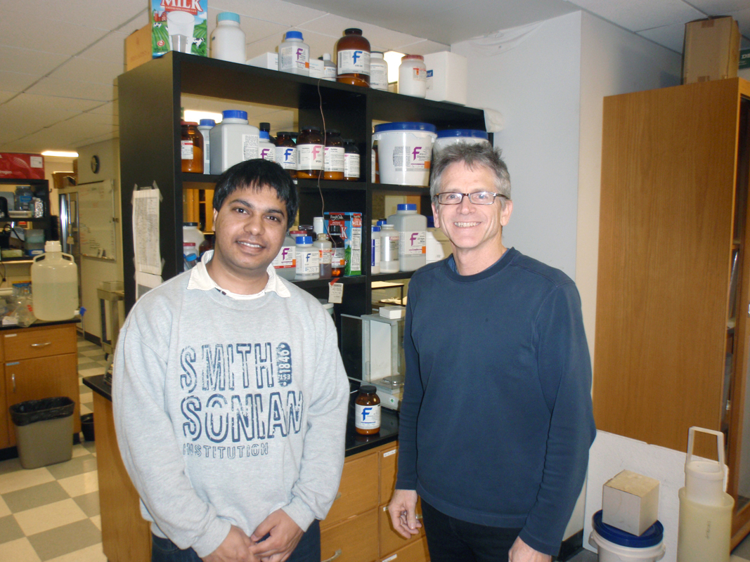 Biological sciences department researchers Somshuvra Mukhopadhyay and Adam Linstedt conducted research exploring the benefits of manganese against E. coli infections. (credit: Courtesy of Somshuvra Mukhopadhyay)
