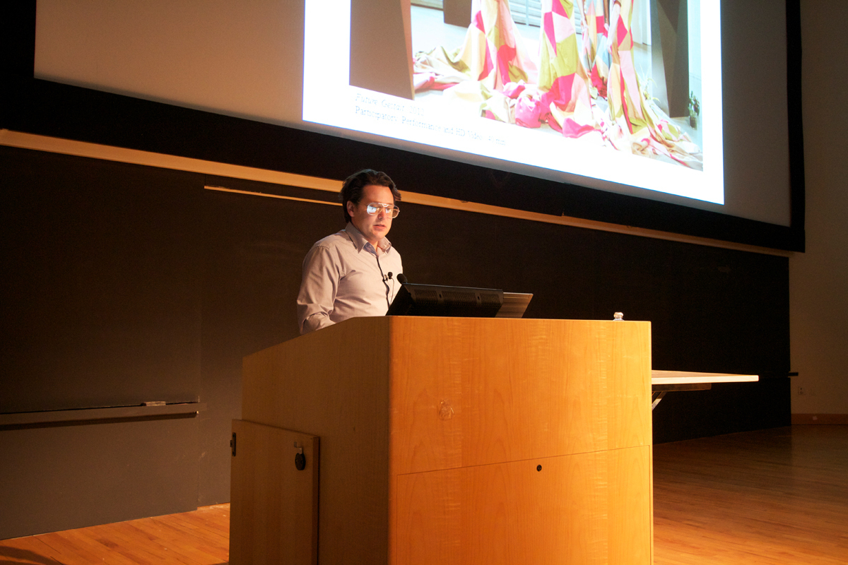 Performance artist Brody Condon lectures about his work surrounding live action role-playing. (credit: Jonathan Carreon/Photo Editor)
