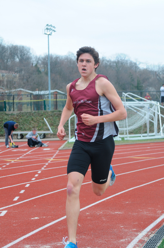 Sophomore Kenneth Murphy placed seventh in the 1,500-meter run. (credit: Tommy Hofman/)