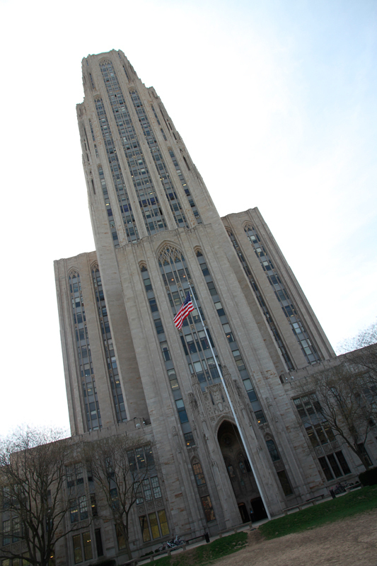 The Cathedral of Learning is a common target of the bomb threats, which have prompted federal law enforcement to begin investigating. (credit: Jonathan Carreon/Photo Editor)