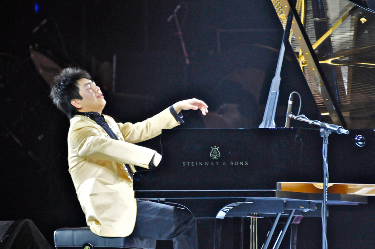 World-renowned pianist Lang Lang — who is known for his dramatic performance style — played with the PSO last Saturday. (credit: Courtesy of Vergil Yu Photography via Flickr)