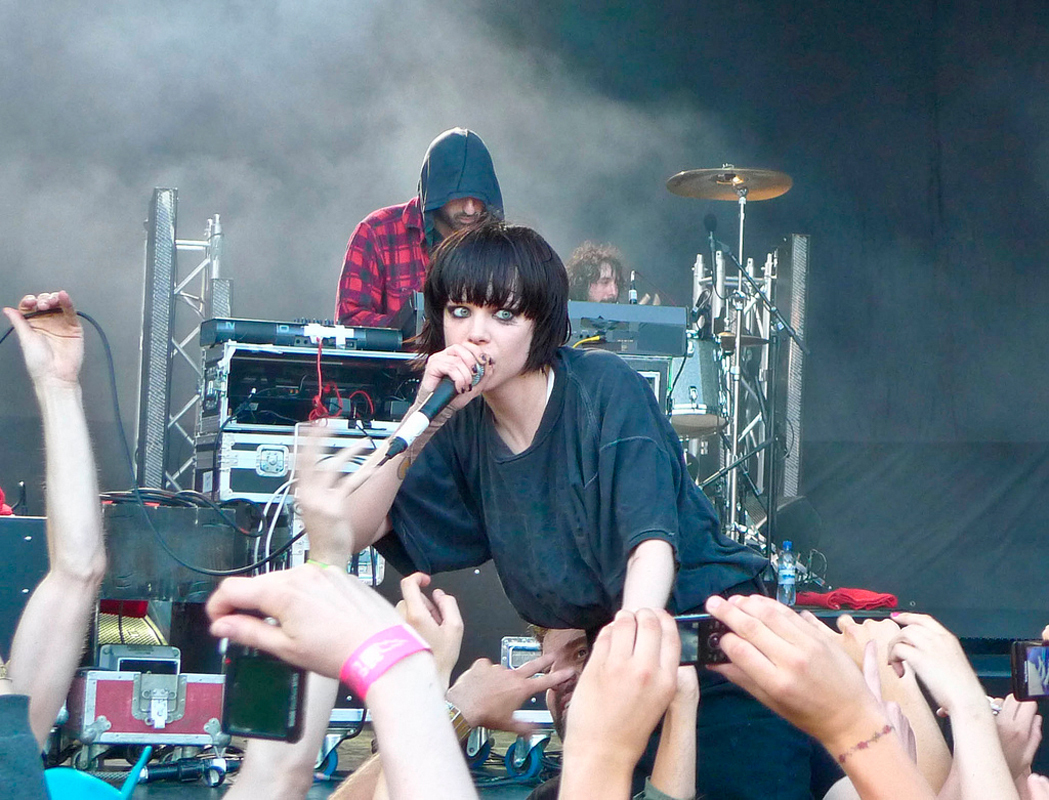 Alice Glass, the lead singer for Crystal Castles, performs in concert.  (credit: Courtesy of froderamone via Flickr)