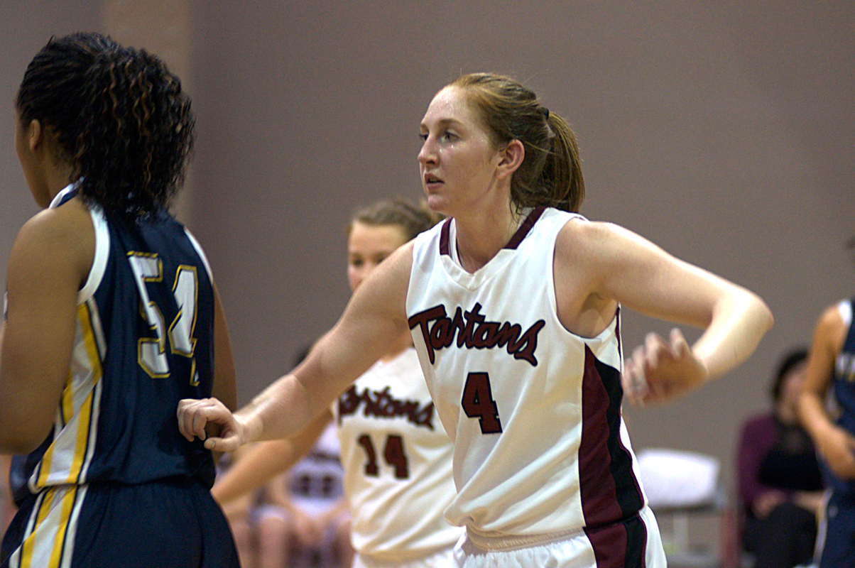 Senior forward Emily Peel (No. 4) led the Tartans in scoring last season, averaging 15.4 points per game on 58.4 percent shooting. (credit: File Photo by Kate Groschner/Staff Photographer)