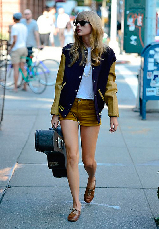 Taylor Swift's style is usually a mix of preppy, vintage-inspired, and bohemian-inspired looks.  (credit: Courtesy of sjdavidl via Flickr)