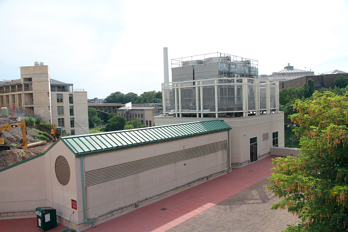 A Carnegie Mellon cooling tower tested positive for Legionella last month. According to Environmental Health and Safety personnel, the bacteria did not affect indoor air or water quality on campus. (credit: Jonathan Carreon/Contributing Editor)