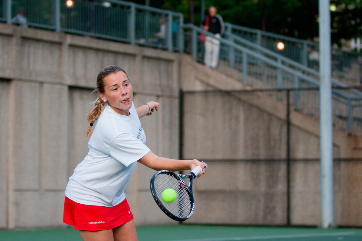 First-year Nicholle Torres reaches for a forehand as she won her singles match 6–0, 6–0. The Tartans next play in the ITA Regional Tournament in Fredericksburg, Va. this Saturday. (credit: Jonathan Leung/Assistant Photo Editor)