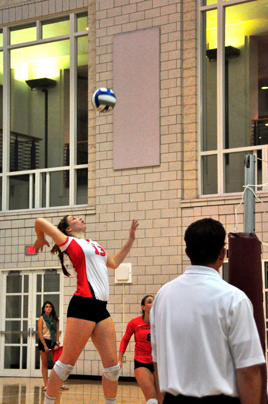Junior Ali Celentano was named UAA Athlete of the Week for Sept. 1–7. (credit: Jason  Chen/Junior Photographer)