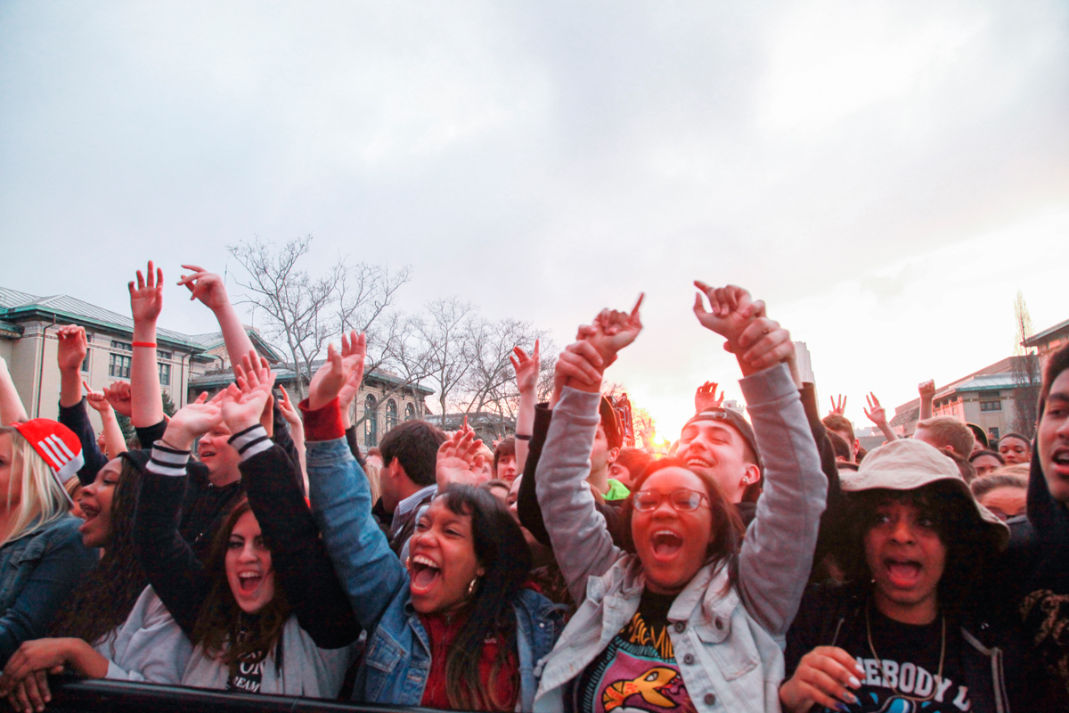 Friday's Carnival concert gave Carnegie Mellon students a chance to get wild on the Cut. (credit: Michelle  Wan /Art Editor)