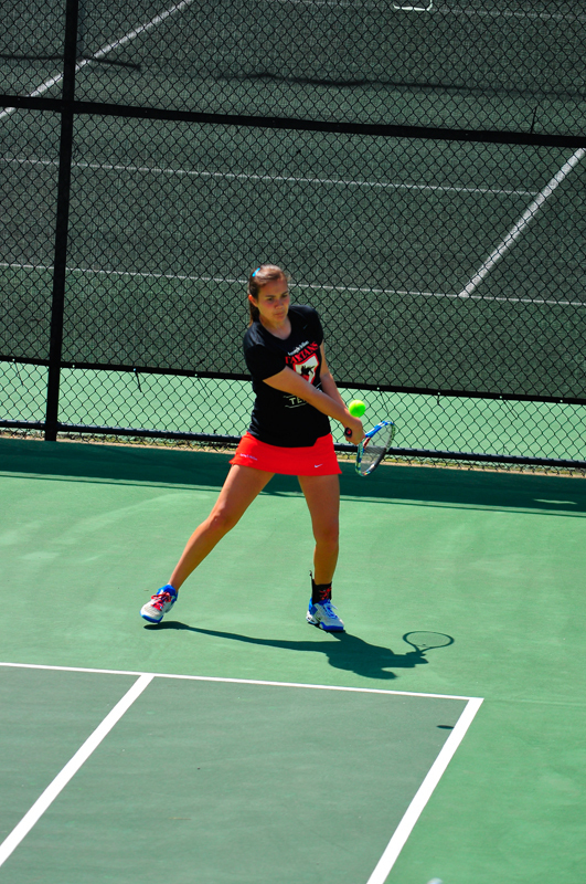 Junior Lydia Utkin had strong performances this weekend, resulting in two significant victories against Duquesne University and Kenyon College. (credit: Jason  Chen/)