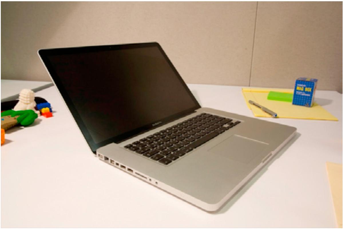 Photo of laptop prior to photo editing. (credit: Yaser Sheikh)