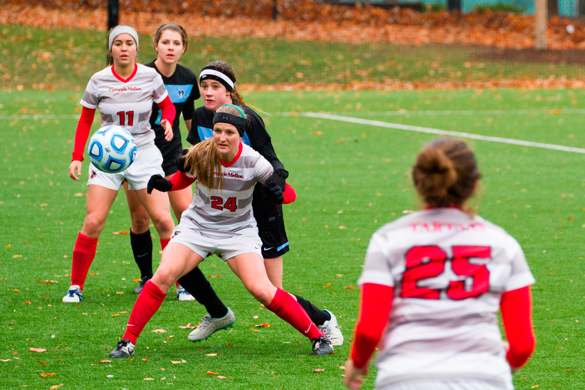 First-year midfielder Morgan Kontor positions herself to gain possession. (credit: Staff Photographer)