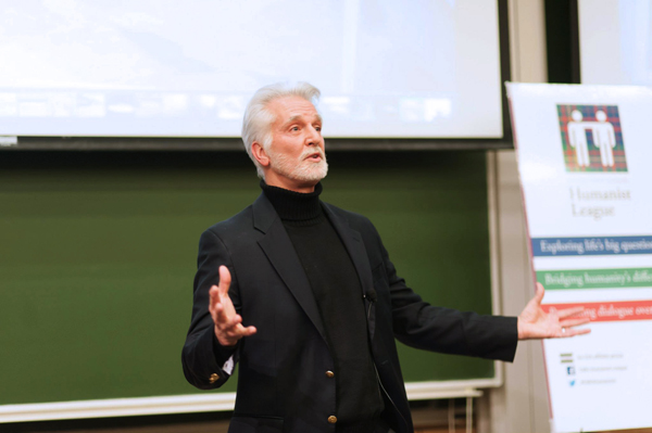 Science writer Chip Walter spoke at Darwin Day, a Humanist league lecture, about evolution and how the study of evolution could affect the future. (credit: Nathaniel Fruchter)