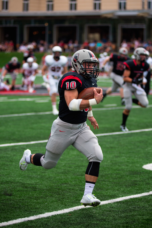 Sophomore running back Sam Benger collected a Carnegie Mellon record of 303 rushing yards. (credit: Staff Photographer)