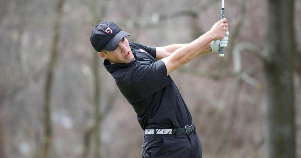 Junior Jordan Klodowski closely watches his shot fly across the green at the Fred Kravetz Invitational on Friday. (credit: Courtesy of CMU Athletics)