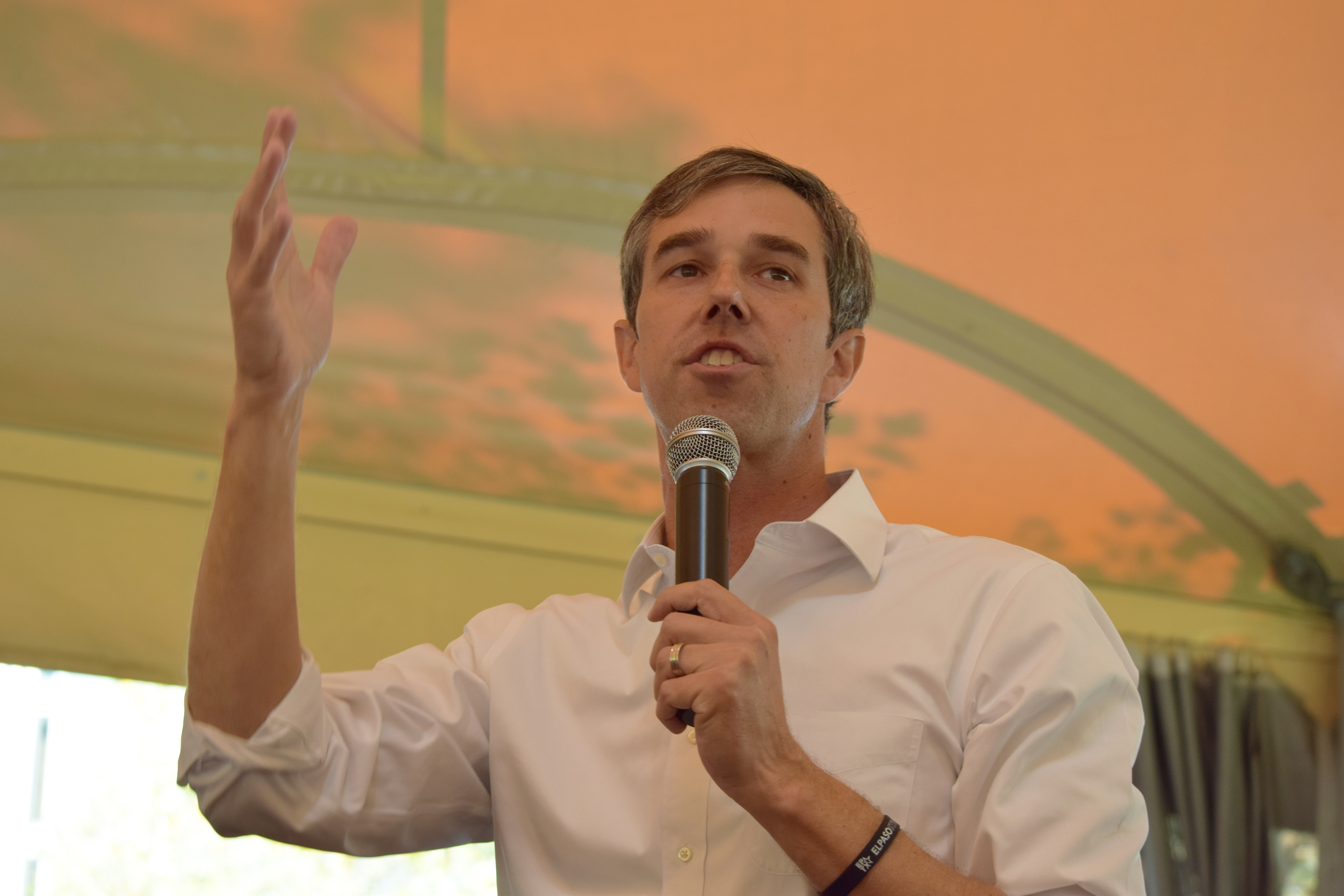 Beto O'Rourke, a former Texas Congressman, spoke to a crowd this past Wednesday in Oakland's Schenley Plaza tent.